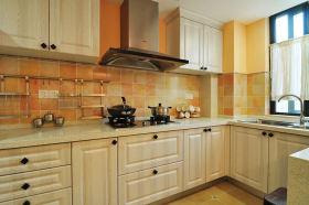 浪漫美式风格厨房橱柜装修效果图片