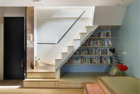 简约白色楼梯效果图