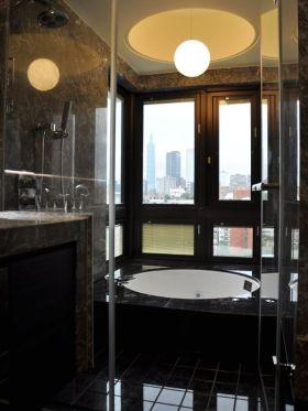 明亮凝练黑色美式卫生间装潢装修布置