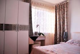 混搭碎花卧室窗帘设计装潢