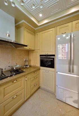 米色雅致美式风格厨房橱柜装修案例