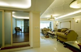 米色欧式风格客厅吊顶效果图片