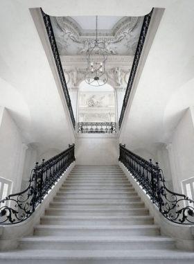 简欧风格白色雅致楼梯装饰图