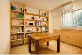 原木质朴简约风格书房装修设计