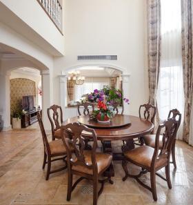 美式风格餐厅木质餐桌设计欣赏