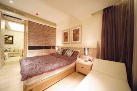 温馨米色现代风格卧室设计装潢