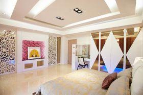 黄色简约风格卧室吊顶装修设计