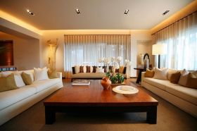 现代风格温馨黄色客厅美图欣赏