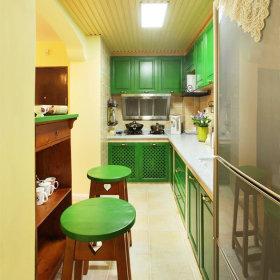田园清新绿色厨房橱柜图片欣赏