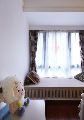 米色简约风格儿童房飘窗效果图欣赏