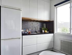 清爽纯白简约小户型厨房橱柜设计图片