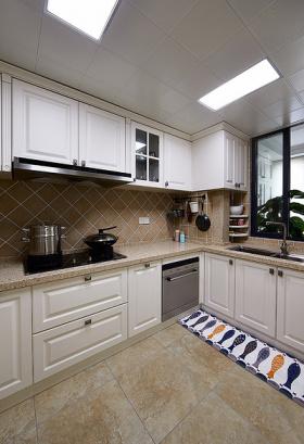 实用简约风格厨房橱柜设计案例