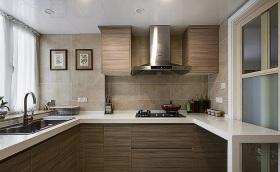 简约原木厨房装潢设计
