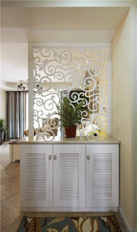 白色雕花镂空简约风格鞋柜装修设计