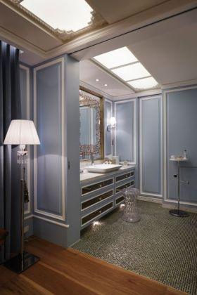 蓝色简欧风格卫生间装修图片