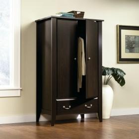 精致小巧简约风格原木衣柜装修案例