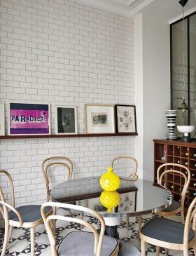 现代时尚白色阳台装修图片