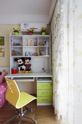休闲现代风格儿童房装修美图