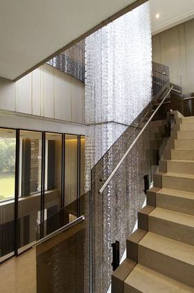 米色简约风格楼梯装修设计案例