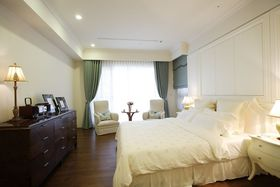 米色新古典风格卧室图片赏析