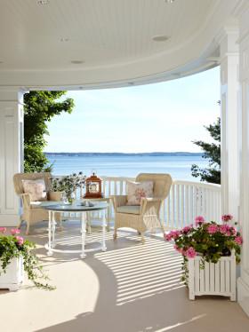 白色东南亚风格阳台装修效果图欣赏