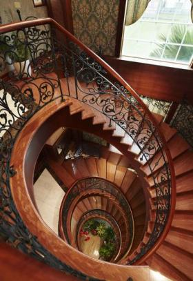 沉稳大气欧式风格楼梯图片赏析
