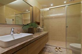 东南亚时尚米色卫生间图片欣赏