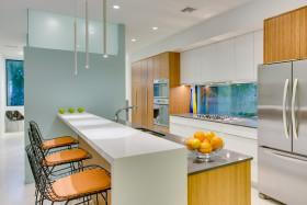 橙色现代风格厨房吧台美图欣赏