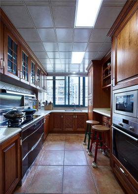 褐色美式风格厨房装修图片欣赏