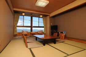 日式风格温馨黄色榻榻米装修