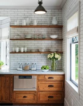 田园风格清爽白色厨房橱柜图片