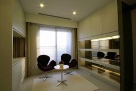 休闲黄色现代风格书房设计案例