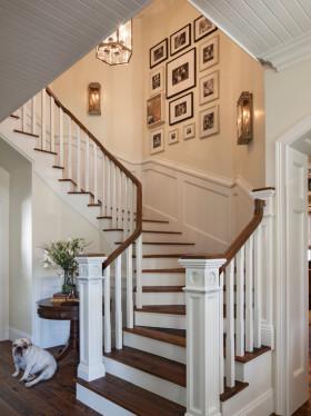 简欧风格白色雅致楼梯设计赏析