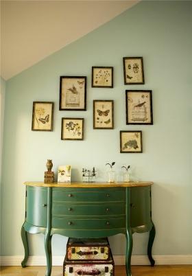 舒适简约风格照片墙布置展示