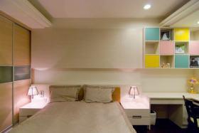 现代风格米色卧室床头装饰柜