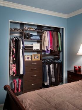 雅致时尚简约风格实用衣柜装饰图