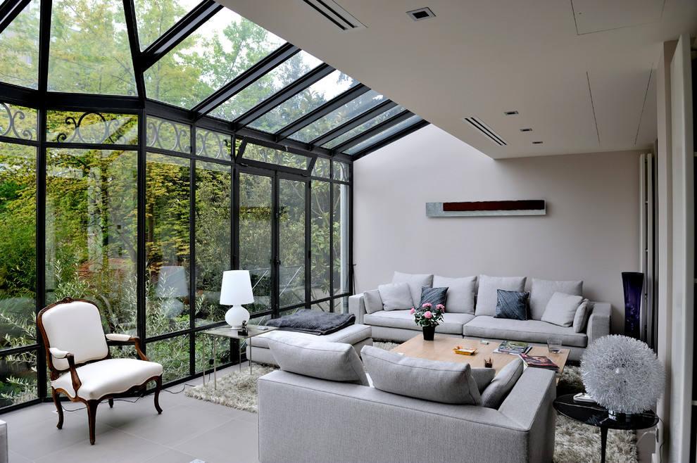 灰色现代风格阳光房客厅装修设计案例