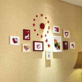 红色混搭风格照片墙设计图片