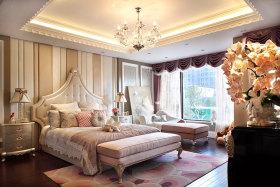 精致浪漫新古典米色卧室装饰设计图片