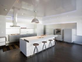 简约白色厨房橱柜设计图赏析
