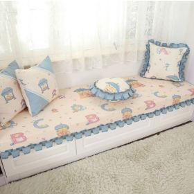 蓝色田园风格飘窗软垫装饰赏析