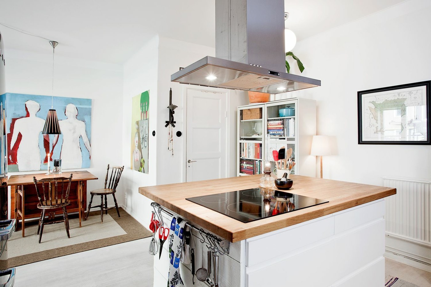 白色简约艺术时尚中岛式厨房装潢设计