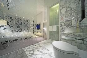 白色现代风格浴室雕花隔断装潢