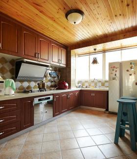 美式原木实用厨房设计美图欣赏