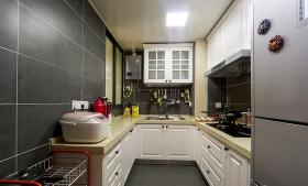 简单明亮灰色简约厨房装潢