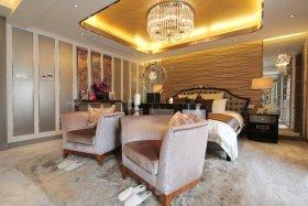 黄色新中式风格卧室吊顶设计图片