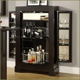 黑色美式风格酒柜装修设计欣赏