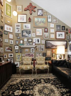褐色欧式风格照片墙设计图片