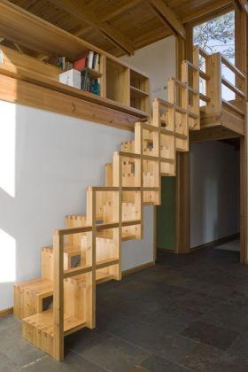 原木色现代风格楼梯美图赏析