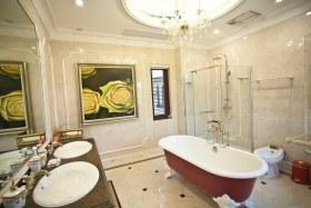 欧式米色卫生间墙壁瓷砖设计图片